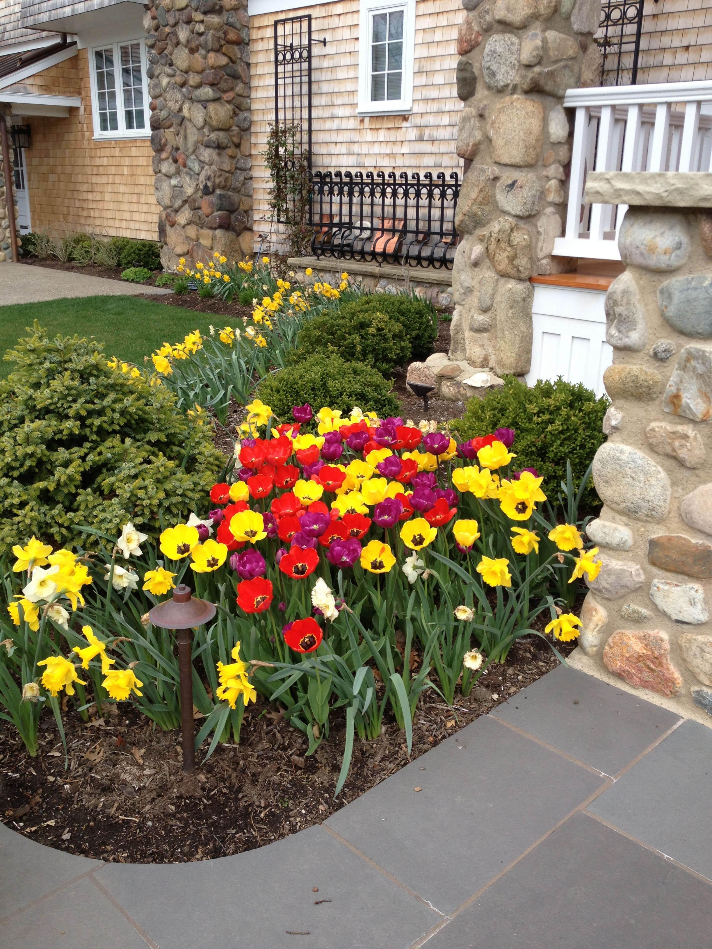 Awesome A Thorough Spring Cleanup Prepares Your Landscape For Summer. Without A  Spring Cleanup, Your Landscape Can Get Out Of Control Very Quickly.